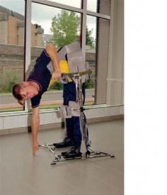 Реабилитация в домашних условиях после инсульта с параподиумом. Тренажер для реабилитации после инсульта.